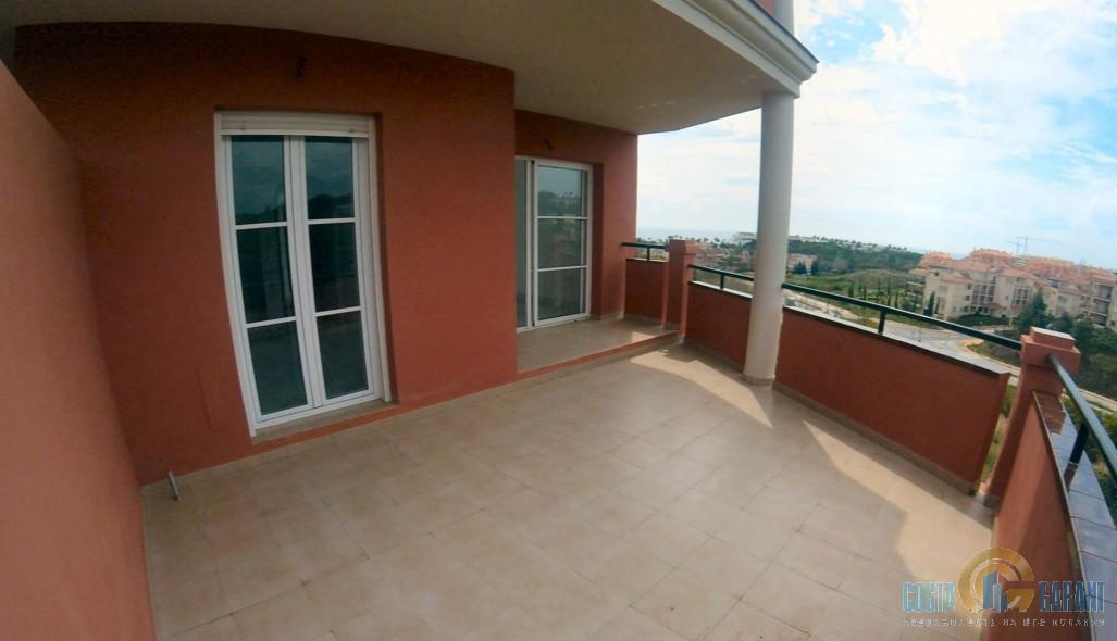 Квартира в испании купить недорого у моря бяла купить квартиру