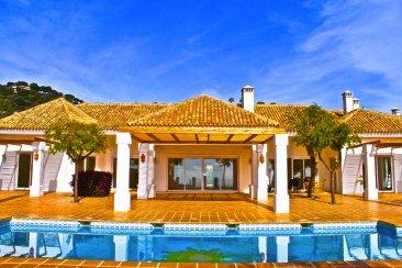 Недвижимость в Испании: Новая вилла в классическом стиле в эксклюзивной La Zagaleta.