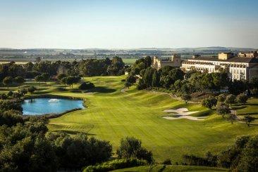 Недвижимость в Испании: Гольф-отель, расположенный в районе Кадиса