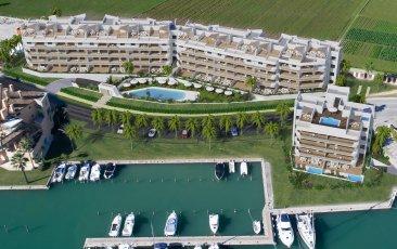 Недвижимость в Испании: Эксклюзивные апартаменты и пентхаусы в порту Сотогранде