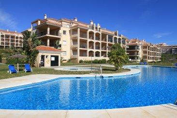 Недвижимость в Испании: Роскошный пентхаус с красивым видом на море и огромной террасой.