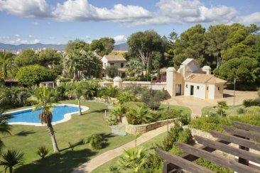 Недвижимость в Испании: Роскошные апартаменты и пентхаусы в элитном жилом комплексе рядом с яхтенной гаванью Puerto Banus - Marbella