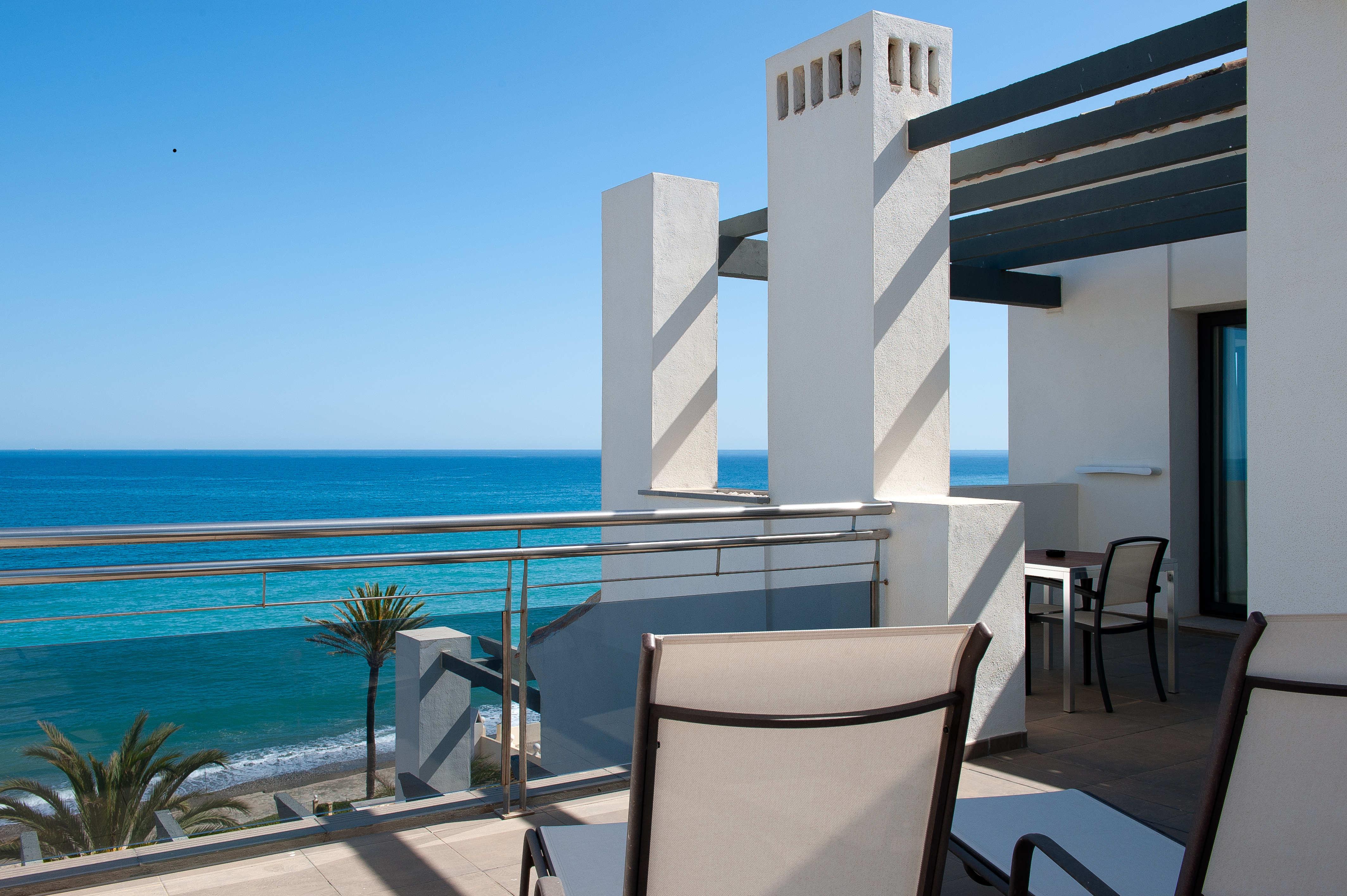 Дешевые квартиры у моря в испании купить дом в камбрильсе