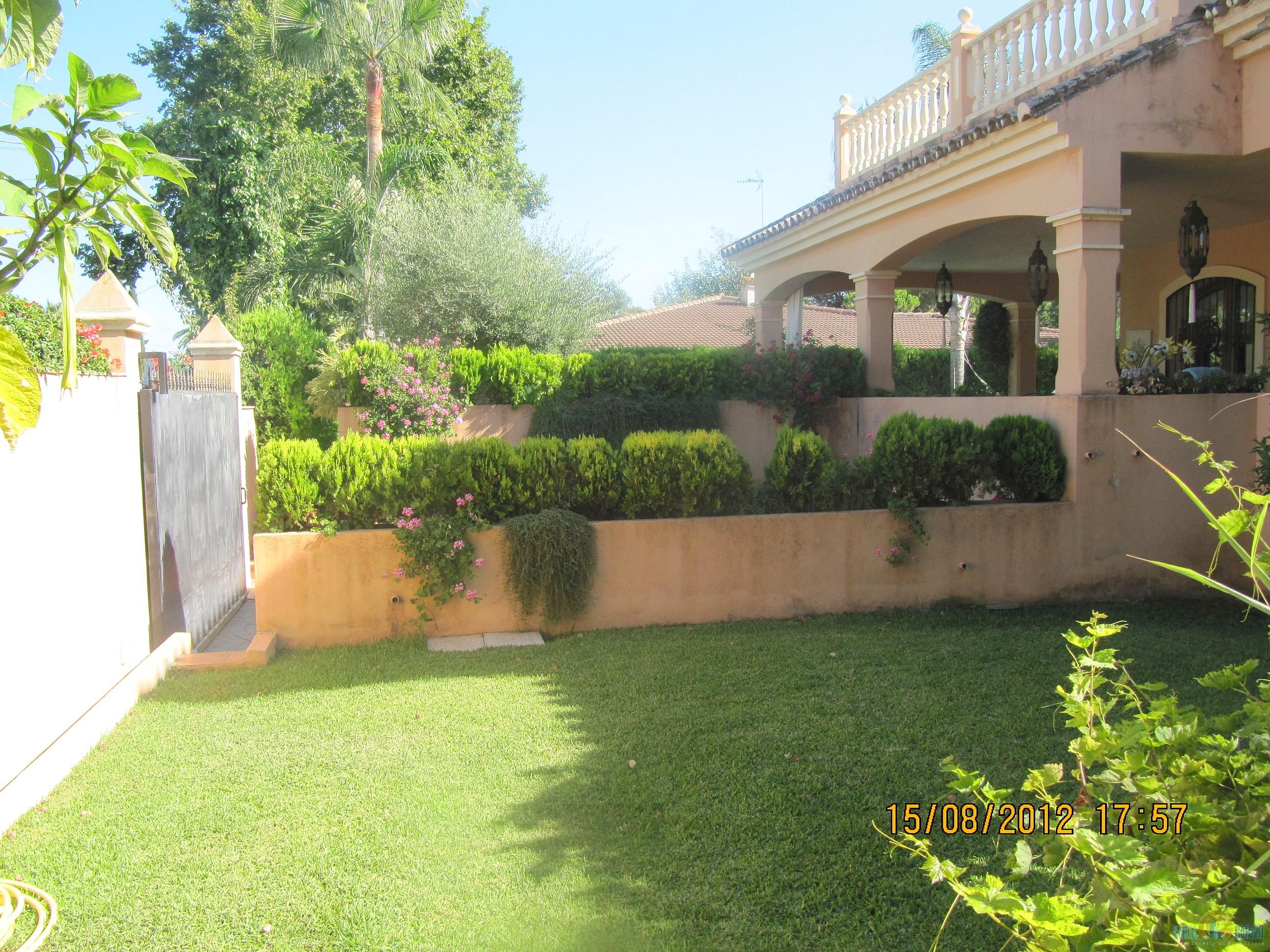 Купить дома недалеко от испании
